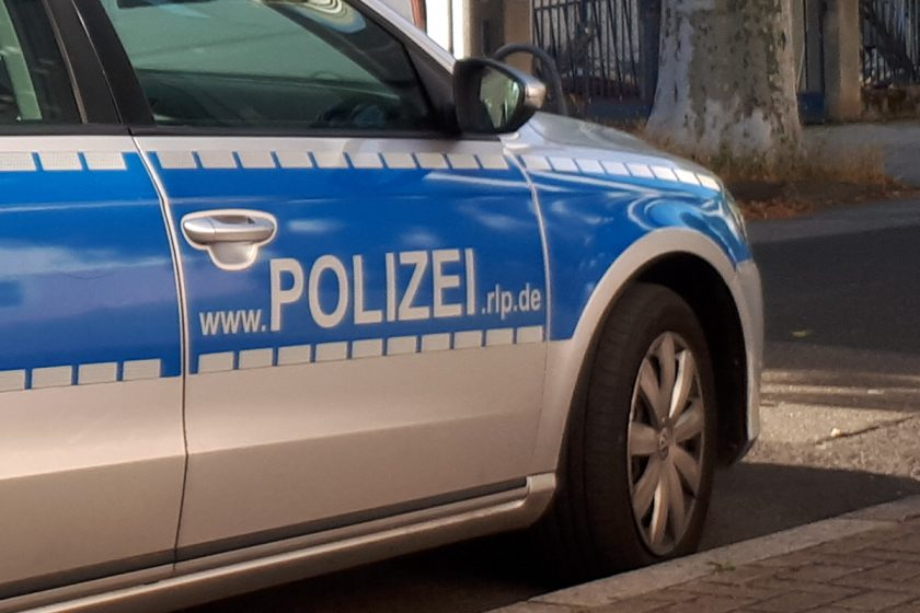 Einsatzfahrzeug der Polizei
