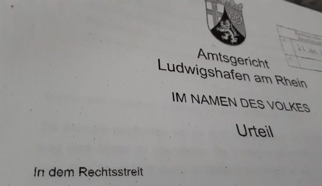 Gerichtsurteil vom Amtsgericht Lu/Rh. Im Namen des Volkes Bebilderung zum Thema Bestattungsvorsorge bei Bezug von Sozialleistungen